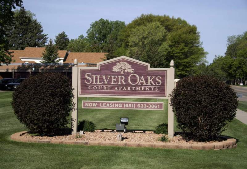 Silver Oaks Apartments - New Brighton, MN